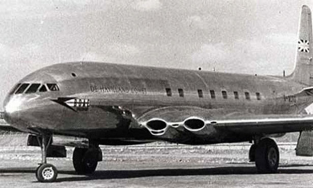 de-Havilland-Comet-1-showing-square-windows