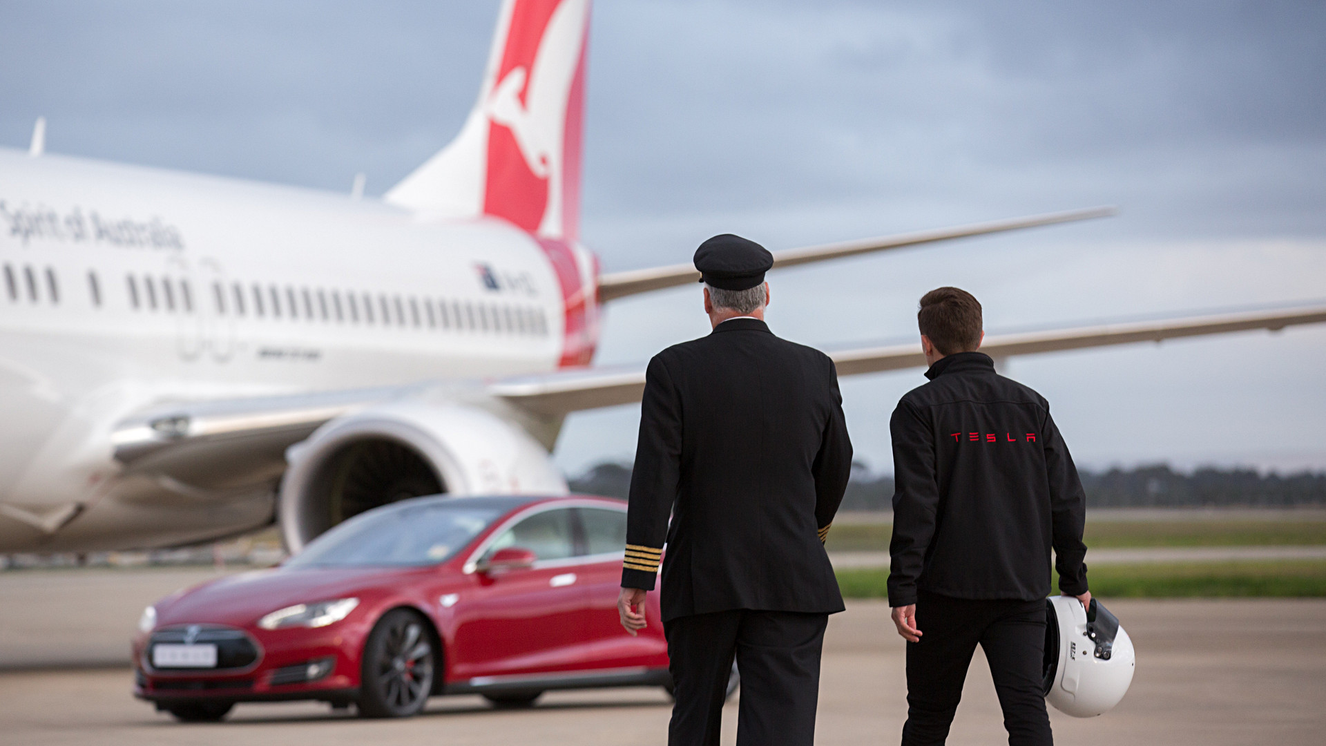 Qantas vs Tesla's new electric car