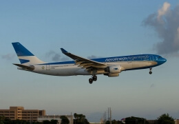 Aerolinas Argentinas A330 hit by turbulence, 15 people injured