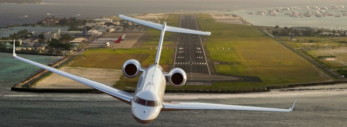 Can private jet users avoid long waits in the summer?