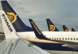 Ryanair cancels 400 flights but denies strike in Netherlands