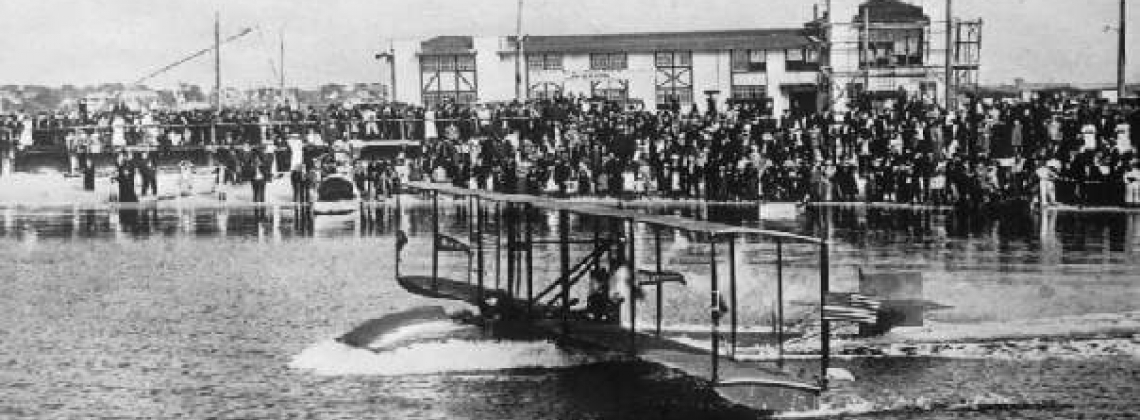 History hour: the first scheduled commercial passenger flight