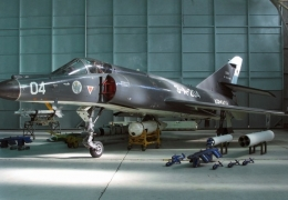 Argentinian president approves lagging Super Etendard acquisition