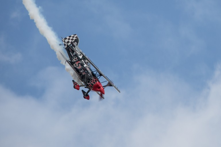 Skip Stewart wows the crowd in his Pitts S2S bi-plane