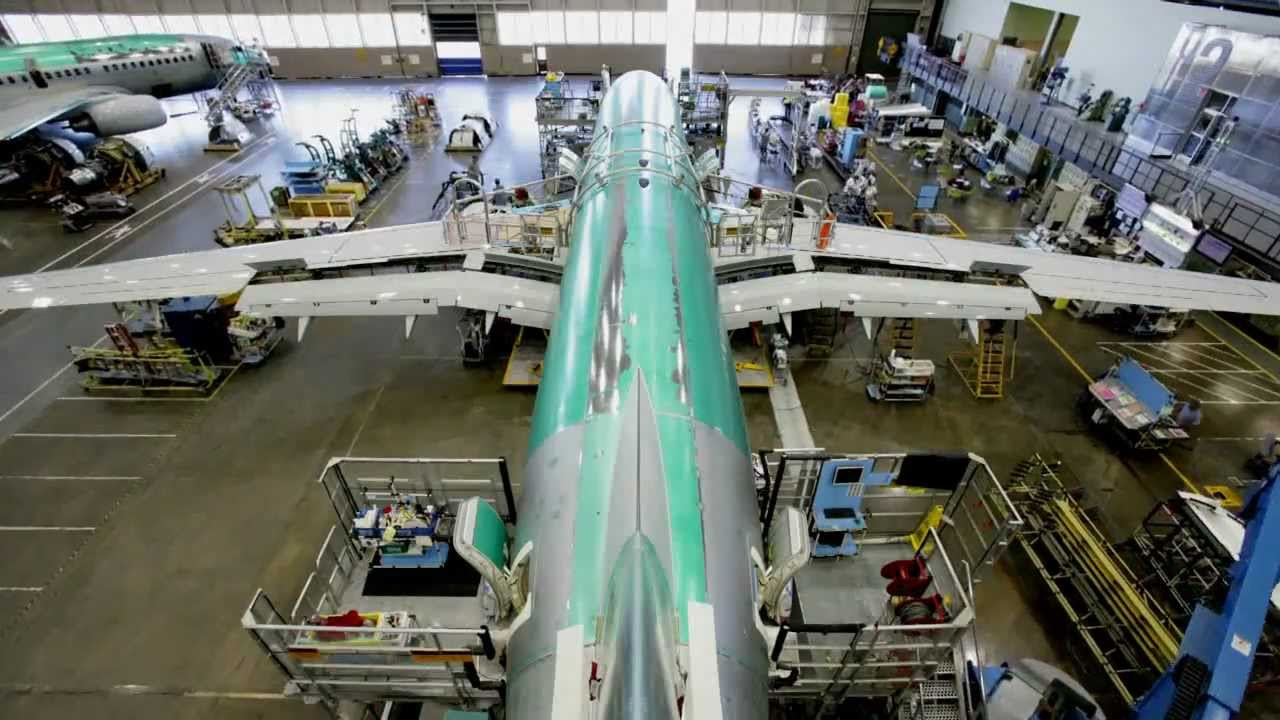building boeing airplane