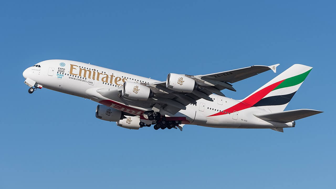 Near-Collision Between Emirates And Etihad