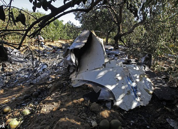 Woman Survives Crash-land After Pilot Lost Consciousness
