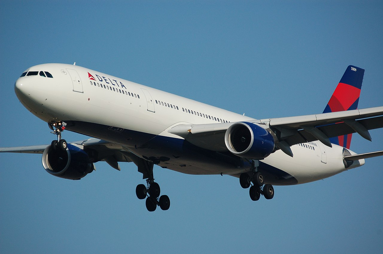 Delta A330-300 Takeoff Like No Other