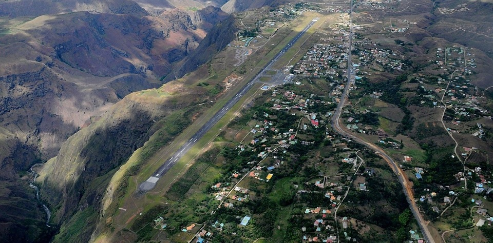 Most Dangerous Landing In Colombia Aviation Blog