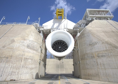 World's Biggest Jet Engine: First Testing