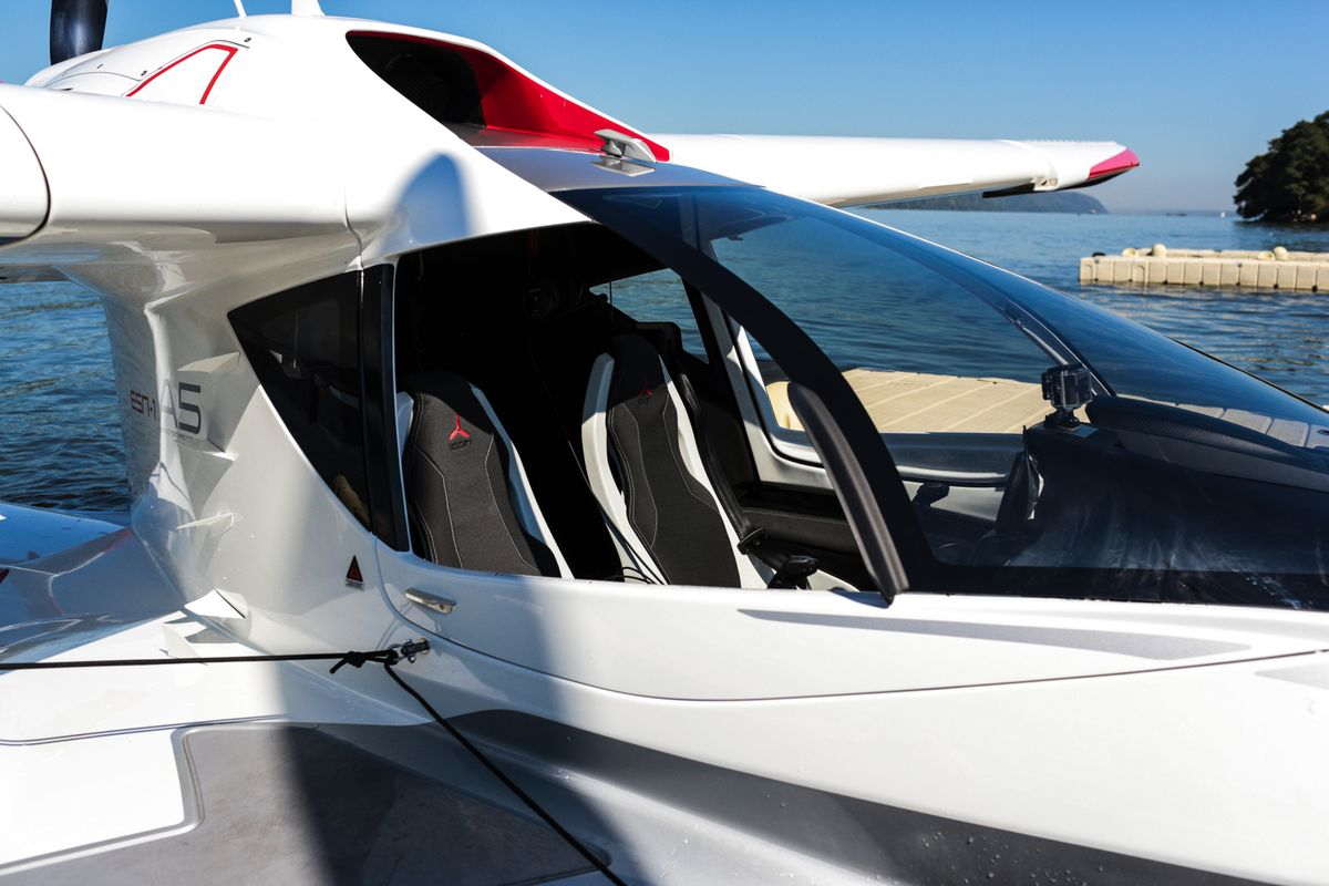 small helicopter cost with Seaplane Of The Future Icon A5 on Quadcopter Presentation 63514406 as well Drift likewise Servo Motor S90g as well India To Buy 22 Attack 15 Heavy Lift as well Saudi Arabia Orders Slam Er Jsow.