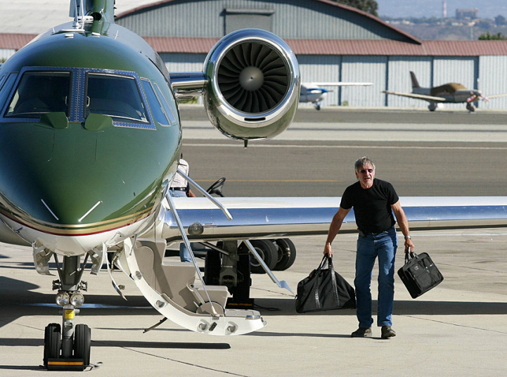 Top 10 Luxury Private Jets Owned By Celebrities  Aviation Blog
