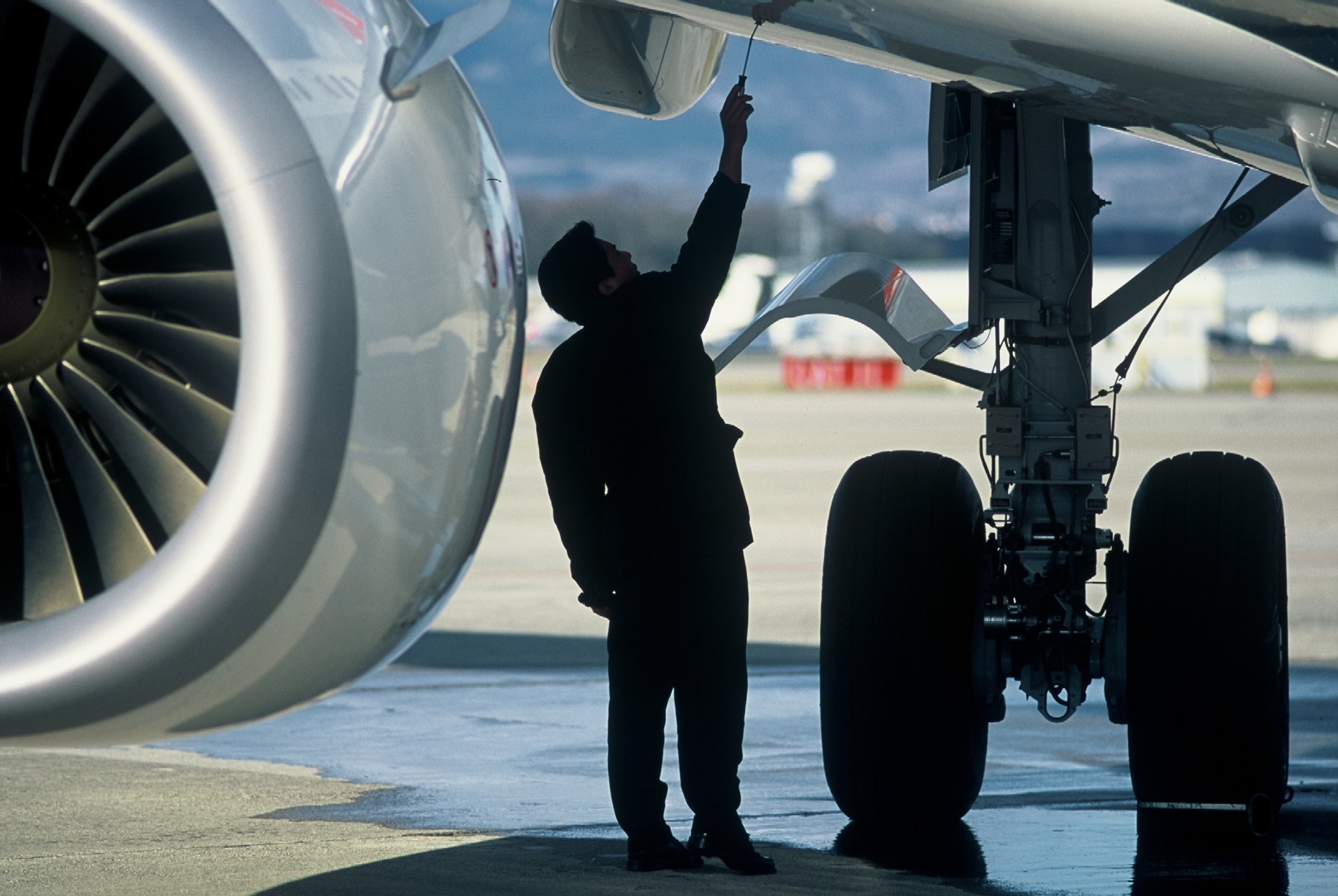aircraft engineer career guide