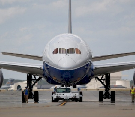 Boeing and Airbus Debut New Planes For First Time