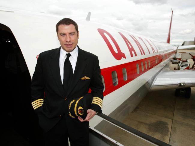 What type of plane does john travolta own