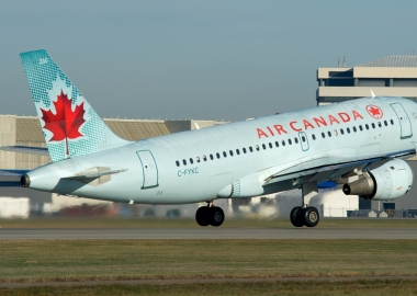 Air Canada Plane Nearly Lands on a Crowded Taxiway