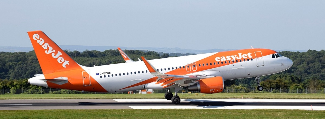 Airport Worker Punches Easyjet Passenger