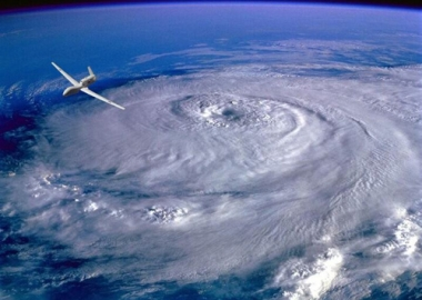 Hurricane Hunters Fly Through EYE of the Storm