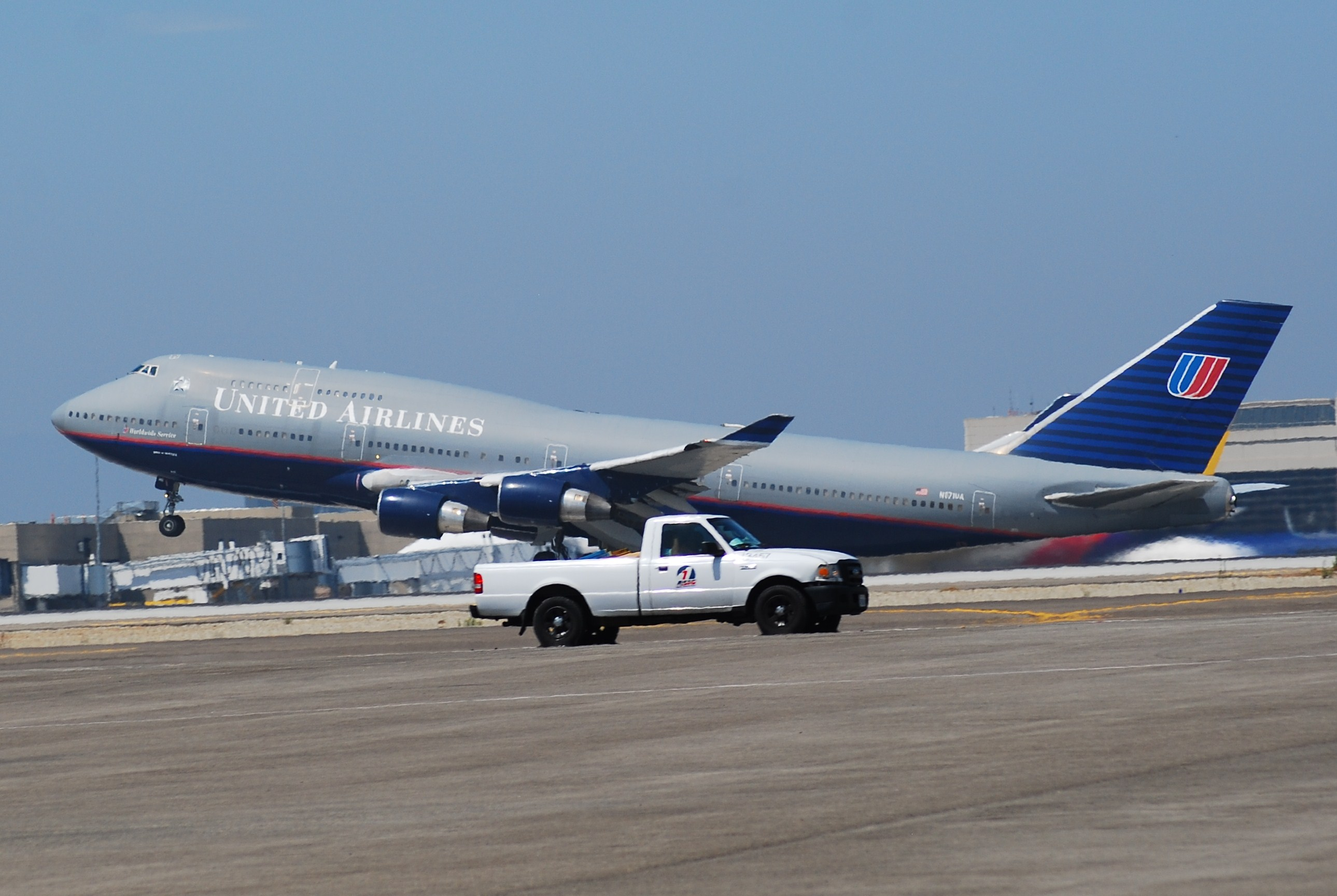 United Airlines: Final Journey for Boeing 747