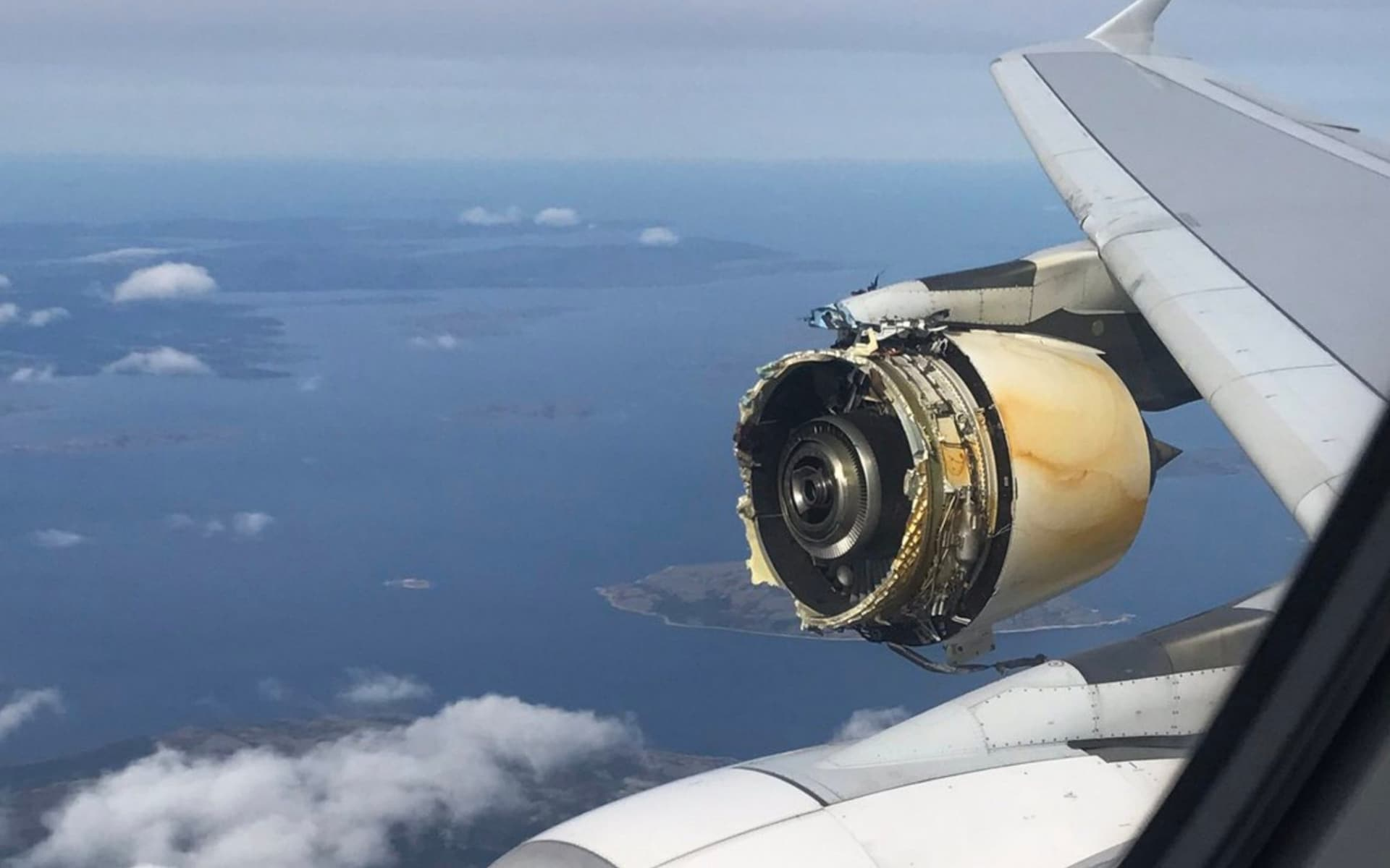 Engine explodes on an air france plane aviation blog for What is air motor