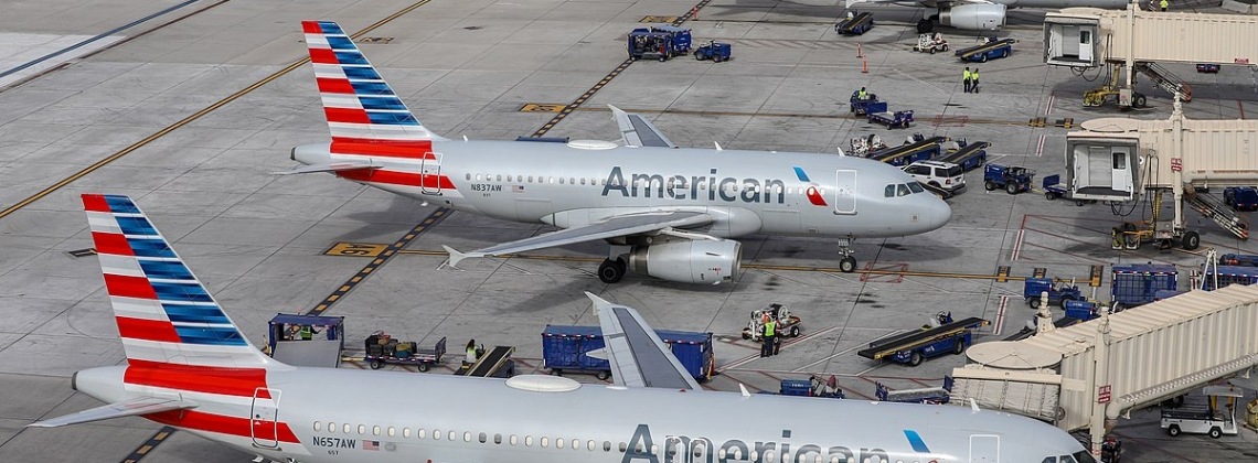 Thousands of American Airlines Christmas Flights Don't Have Pilots