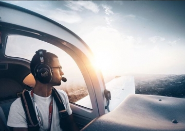 Top 5 Aviation Influencers You Should Follow Now