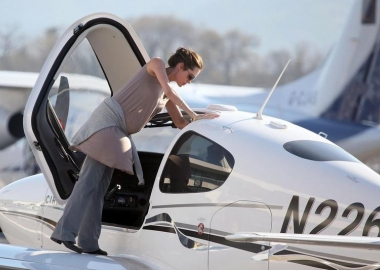 16 Celebrities You Never Knew Are Pilots