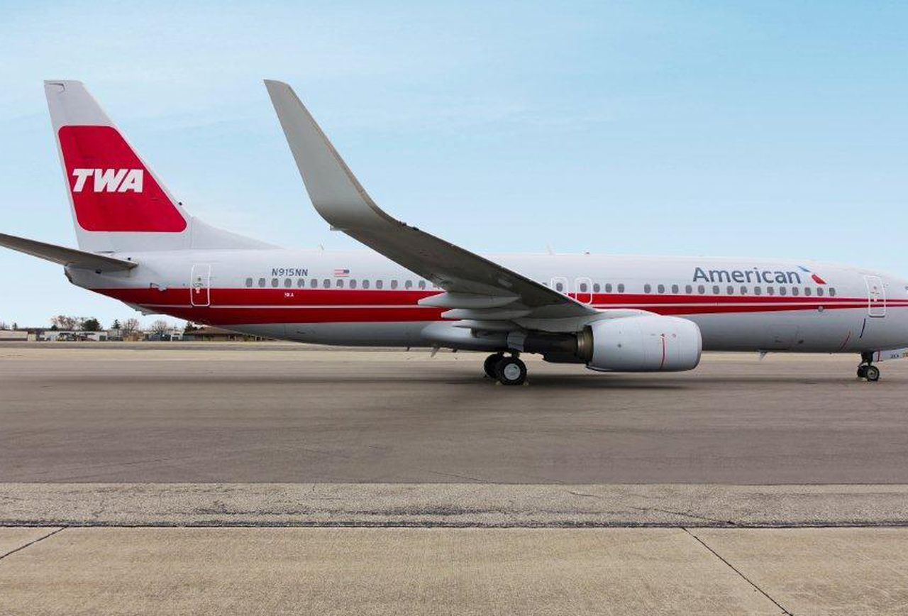 Mixed livery of American Airlines and TWA.