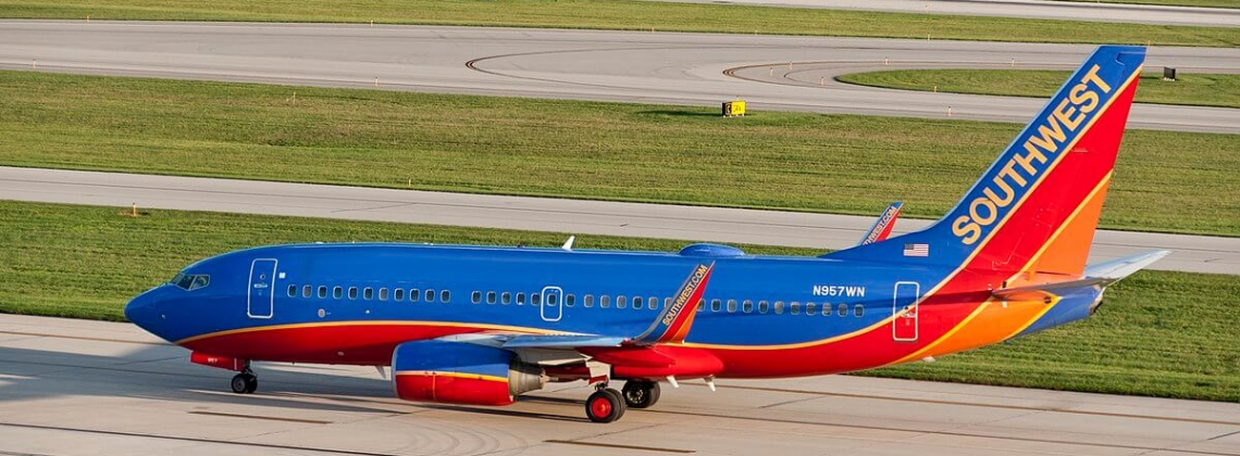 Southwest grounds 34 B737-700s after issue with maintenance docs