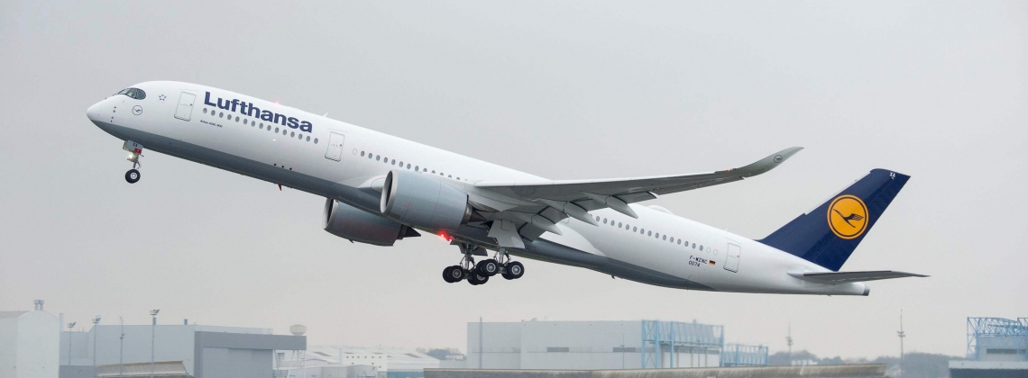 Lufthansa takes delivery of its first A350