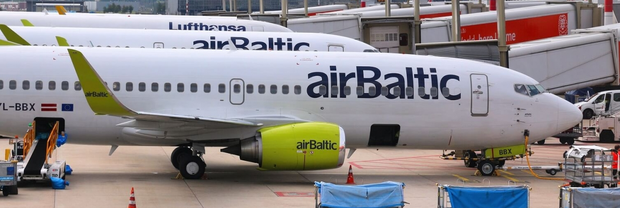 airBaltic 737 in Amsterdam