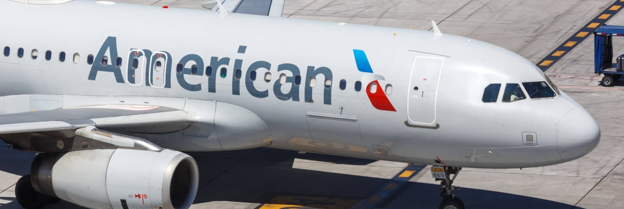 American Airbus A320 lands with engine fire in San Antonio