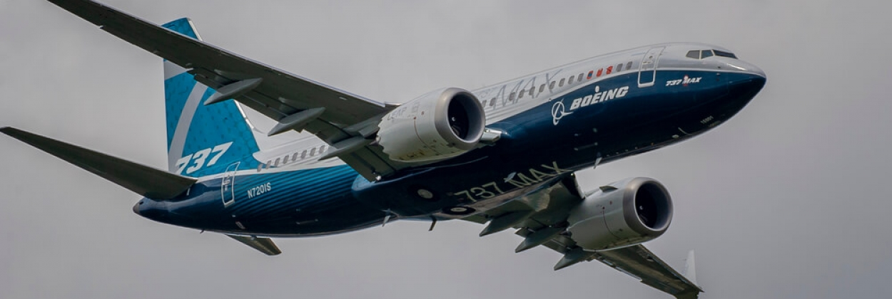 Boeing 737 MAX flying at the Farnborough Airshow in 2018