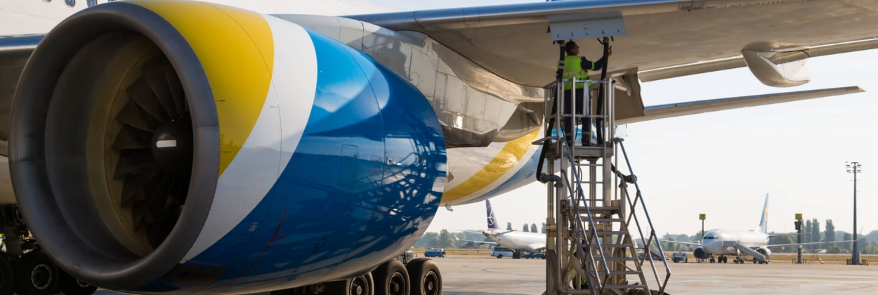 Boeing 777 fuel tank cracks causing leaks prompt FAA directive