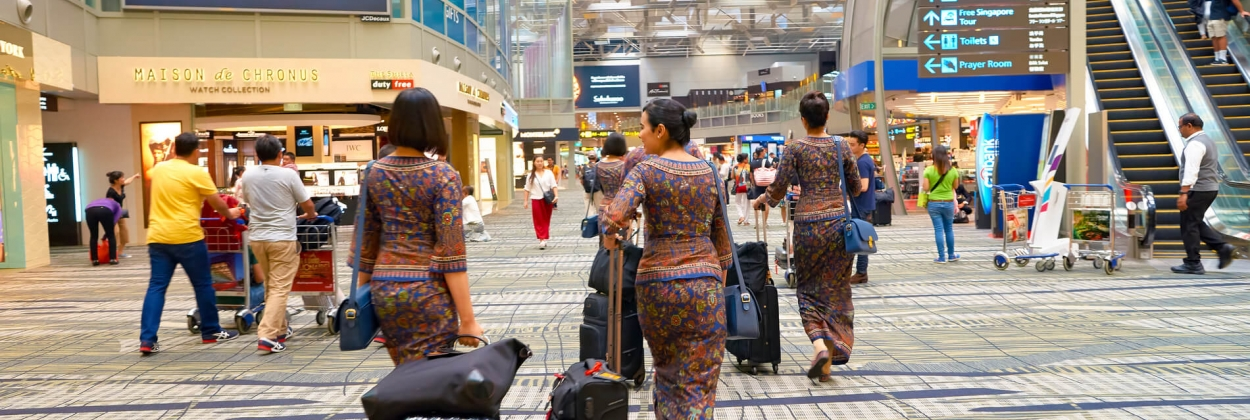 SIA flight crew to wear tracking devices on layovers