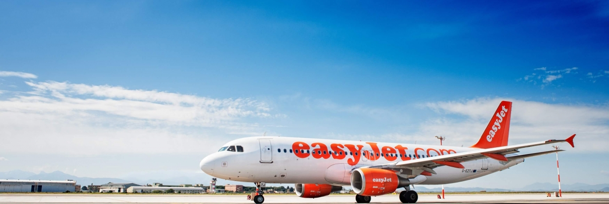 EasyJet cabin crew to administer vaccine rollout in UK