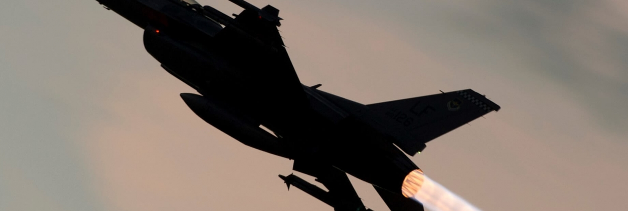 F-16 fighter jet crashes in New Mexico, pilot injured