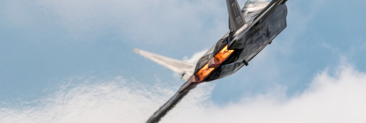 F-22 Raptor suffers nose-gear failure during emergency landing