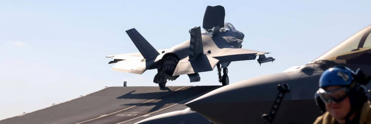 F-35 takes off from Queen Elizabeth