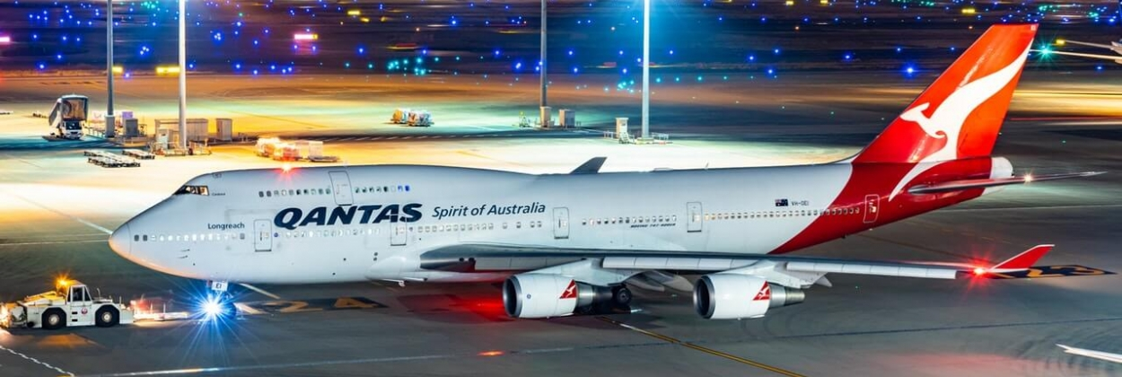 antas airways boeing 747 400er at airport night aerotime news