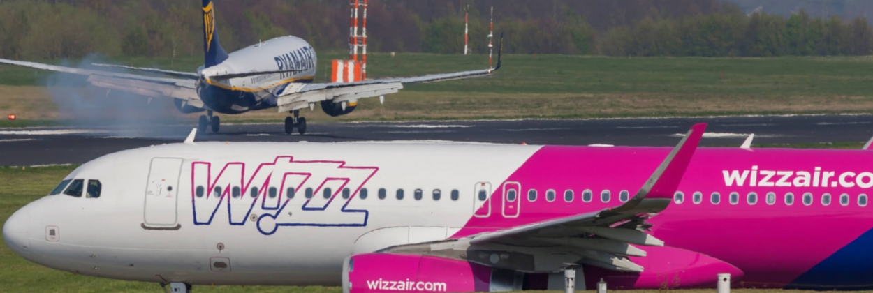 Wizz Air Airbus A320 and Ryanair Boeing 737 at Dortmund Airport D