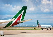 Union strikes and shambolic negotiations: Alitalia still kicking