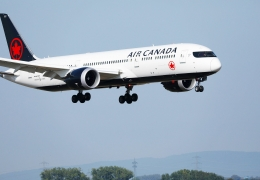 Air Canada CEO pleads for lighter travel restrictions