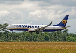 France seizes Ryanair plane before takeoff to get its money back