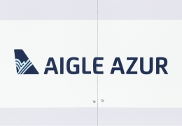 Aigle Azur: 14 takeover offers, 13,000 passengers still stranded