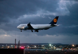 Lufthansa explores bankruptcy protection amid bailout proceedings