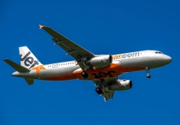 Jetstar Airbus A320 double go-around due to pilots' landing gear oversight