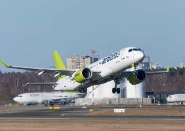 AeroBrief - A220 embarks on world tour