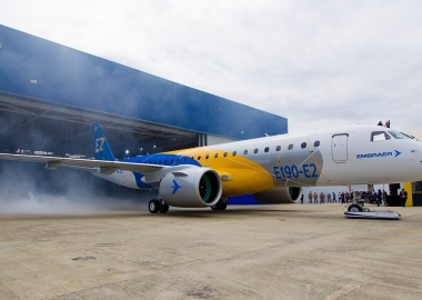 Widerøe ends Dash 8-only era, adds world's 1st Embraer E190-E2