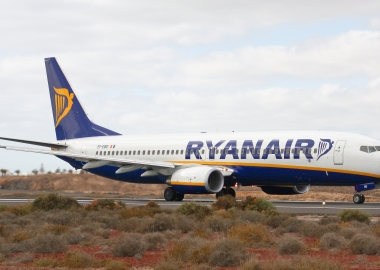 Ryanair apologizes after handing invalid compensation checks